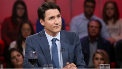 """رئيس الوزراء الكندي الخارج جوستان ترودو في برنامج """"حديث البلد"""" أمس الأحد/حقوق الصورة: AVANTI GROUPE / KARINE DUFOUR"""