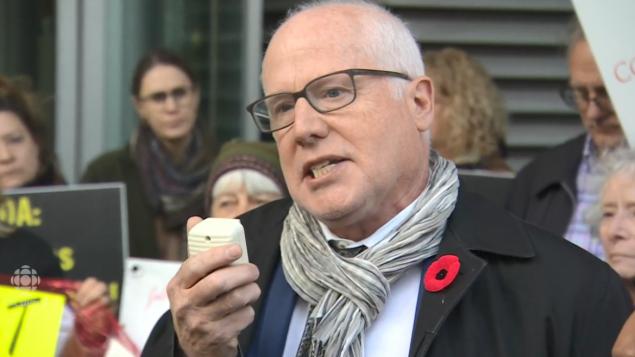 أليكس نيف الأمين العام لمنظّمة العفو الدوليّة فرع كندا/CBC/هيئة الاذاعة الكنديّة