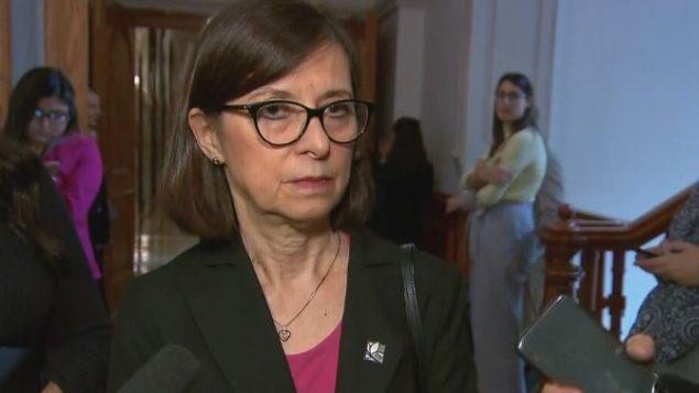 وزيرة الصحّة الكيبيكيّة دانيال ماكّان كشفت عن اجراءات جديدة لمكافحة التدخين والتدخين الالكتروني/ Radio-Canada