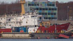 """السفينة """"هودسون"""" (Hudson) التابعة لخفر السواحل الكندية - CBC / Robert Short"""