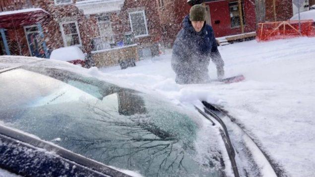 العاصمة الكنديّة أوتاوا كانت على موعد مع الثلوج المبكّرة التي تساقطت بغزارة في 12 و13 تشرين الثاني نوفمبر 2019/Francis Ferland/CBCRadio-Canada