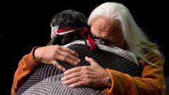 بتداءً من عام 2021 ، سيُطلب من جميع المحامين العاملين في بريتيش كولومبيا إكمال دورة مدتها 6 ساعات عبر الإنترنت تغطي ثقافة السكان الأصليين - The Canadian Press / Darryl Dyck