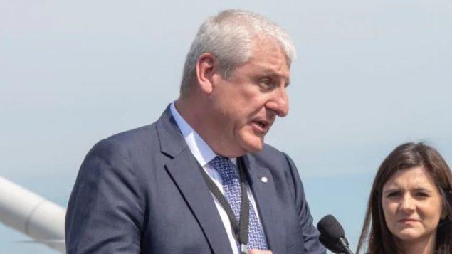 """إيان إدواردز، الرئيس والمدير التنفيذي لـشركة """"أس أن سي لافالان"""" - Ryan Remiorz / The Canadian Press"""