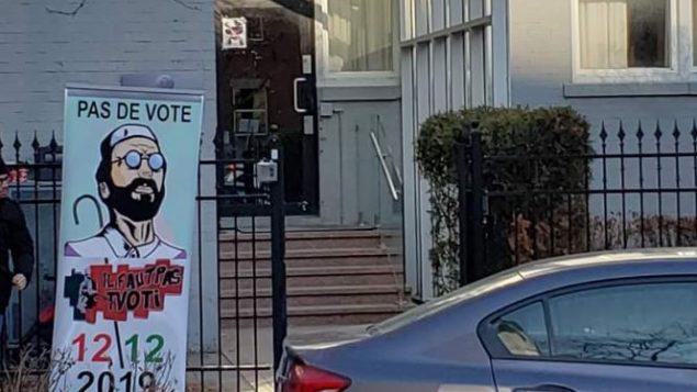 كلّ يوم سبت، ينظم جزائريو كندا الرافضون للانتخابات الرئاسية لـ12 ديسمبر كانون الأول، وقفة أمام مقرّ قتصلية الجزائر في مونتريال - Facebook