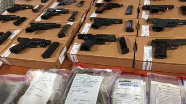 أسلحة نارية حجزتها شرطة تورونتو (أرشيف) - Linda Ward / CBC