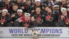 فاز فريق كندا للهوكي للناشئين بلقبه الثامن عشر لفريق كندا للناشئين على المستوى العالمي والثالث في ست سنوات - The Canadian Press / Ryan Remiorz