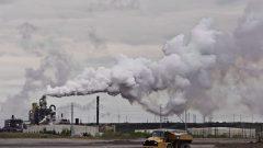 فرضت حكومة ترودو ضريبة الكربون للحد من انبعاثات الغازات الدفيئة في المقاطعات التي لا تتوفر فيها أنظمة ضريبة على الكربون خاصةٌ بها - The Canadian Press / Jason Franson