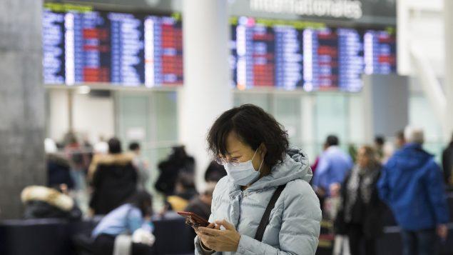 بهو الوصول في مطار بيرسون الدولي في تورونتو - 25.01.202.- The Canadian Press / Nathan Denette