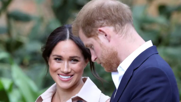 الأمير هاري وزوجته ميغان ماركل في جنوب إفريقيا في تشرين الأوّل أكتوبر/Siphiwe Sibeko/Reuters