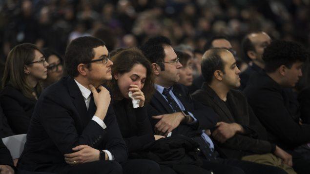 حفل تكريم ضحايا تحطّم الطائرة الأوكرانية في إيران في إدممونتون – The Canadian Press / Todd Korol