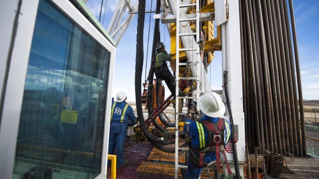 لص محقّقو الجمعية الجيولوجية في ألبرتا ووكالة تنظيم الطاقة إلى أن الزلزالين اللذين وقعا بالقرب من مدينة ريد دير تسبّبت فيهما عملية التصديع التكسير المائي أو الهيدرولي - iStock