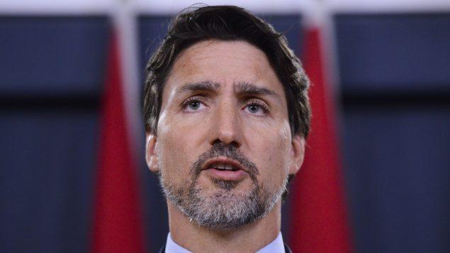 ظهر جوستان ترودو بلحيته خلال الندوة الصحفية التي عقدها أمس الأربعاء بعد القصف الإيراني للقواعد العسكرية في العراق وتحطّم الطائرة الأوكرانية في إيران والتي كان على متنها 63 كنديًّا - The Canadian Press / Sean Kilpatrick