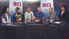 أسرة القسم العربي وضيفتا البرنامج سامية أورزمان و مريم بومزيان/RCI