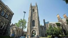 جامعة تورونتو واحدة من بين الجامعات العريقة في كندا التي تستقطب عددا كبيرا من الطلّاب العرب والأجانب/Evan Mitsui/CBC/هيئة الاذاعة الكنديّة