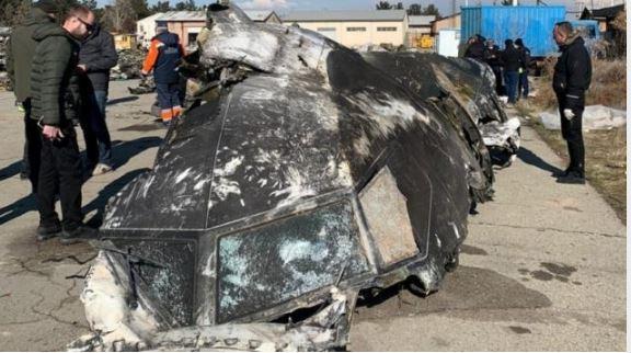 قتل جميع من كانوا على متن الطائرة وعددهم 176 شخصا عندما تحطمت يوم الأربعاء بعد دقائق من إقلاعها من مطار طهران - Ukrainian Presidential Press Service/Handout via Reuters