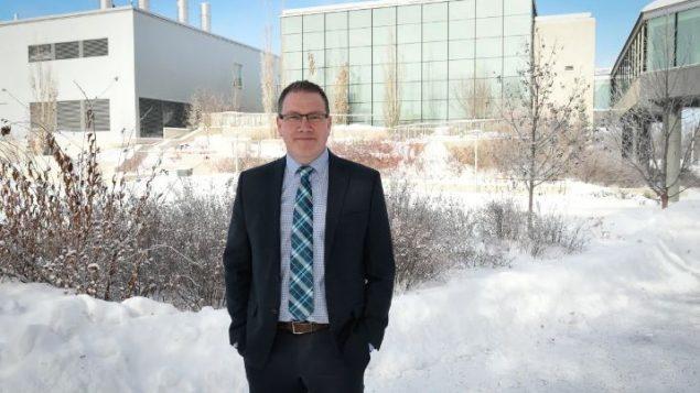 فولكر غيردتس، رئيس مركز جامعة سسكتشوان لأبحاث اللقاحات والأمراض المعدية - Photo Submitted by Debrah Marshall