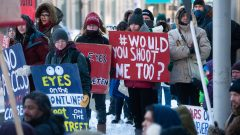 أبناء السكّان الأصليّين يتظاهرون احتجاجا على مرور أنبوب الغاز فوق أراضيهم في 10-01-2020/Mike Sudoma/CP
