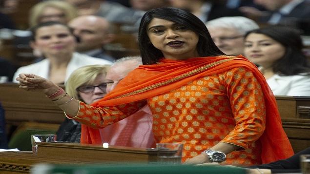 برديش تشاغر، وزيرة التعددية و الإدماج والشباب في الحكومة الكندية (أرشيف) - The Canadian Press / Adrian Wyld