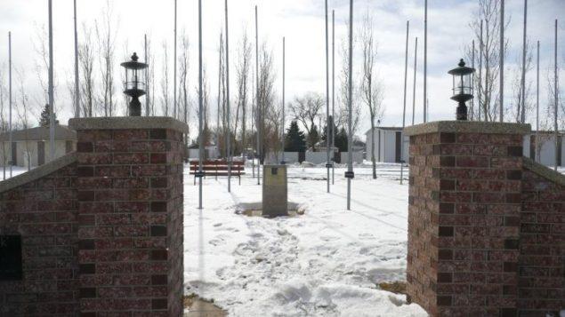 بيتر نيغارد تبرّع للمال لمدينة دولورين الصغيرة التي بنت حديقة تحمل إسمه/Riley Laychuk/CBC/هيئة الإذاعة الكنديّة