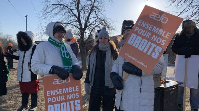 يشارك في هذا الإضراب ما لا يقل عن 200.000 من أعضاء نقابات المعلّمين وعمال التربية - Radio Canada / Thilelli Chouikrat