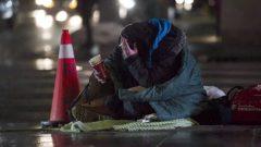 تتابع الحكومة الكندية هذه الأرقام عن كثب، خاصة وأن رئيسها الليبرالي جوستان ترودو أشاد بسجله في مكافحة الفقر منذ انتخابه في عام 2015 - Christopher Katsarov / The Canadian Press