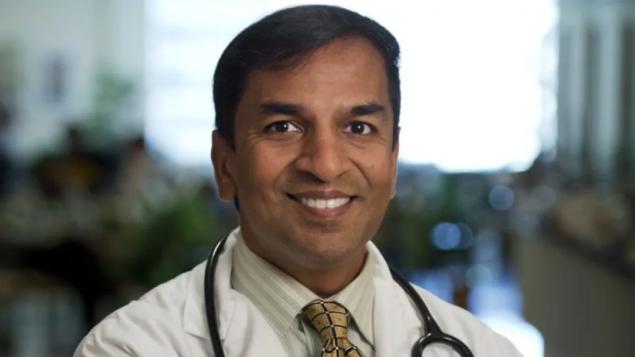 د. آتول هومار أخصائيّ زراعة الأعضاء في المستشلى العام في تورونتو يقول إنّ عمليّات الزرع توقّفت بسبب الكوفيد-19/University Health Network)