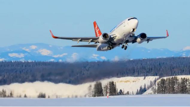 شركة إير نورث الجويّة أعلنت تسريح نصف موظّفيها بصورة مؤقّتة في إقليم يوكن ومدينة فانكوفر /Air North