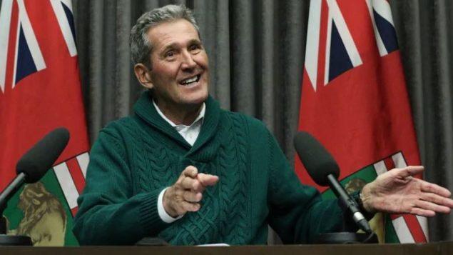 برايان باليستر رئيس حكومة مانيتوبا ألمح منذ فترة أنّ في نيّته فرض ضريبة على الكربون لخفض انبعاث الغازات الدفيئة في المقاطعة/Tyson Koschik/CBC/هيئة الإذاعة الكنديّة