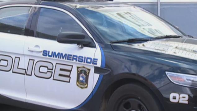 شرطة سامرسايد في جزيرة برنس إدوارد فرضت غرامة قدرها ألف دولار على شخص خالف قاعدة العزل المنزلي /CBC/هيئة الإذاعة الكنديّة