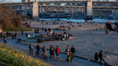 تجمّعات على شاطي صنسيت في فانكوفر اثارت سخط عمدة المدينة /Ben Nelms/CBC/هيئة الإذاعة الكنديّة