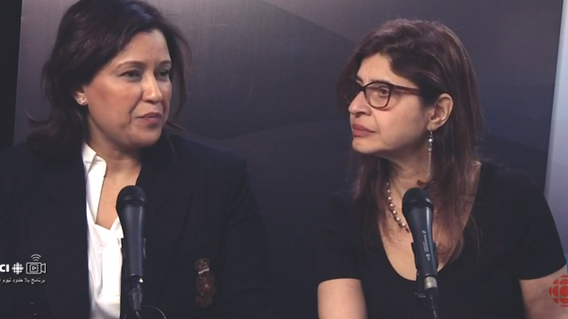 نسرين اليحيا (إلى اليمين) رئيسة اللجنة الاستشاريّة للوافدين الجدد ونوال ناجي مؤسّسة عرض الأمل لتقديم الدعم المعنوي للنساء المصابات بالسرطان/RCI