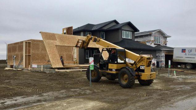 """انخفضت عمليات بناء المنازل في سسكاتون """"ما بين 75 إلى 80٪ """" – Radio Canada"""