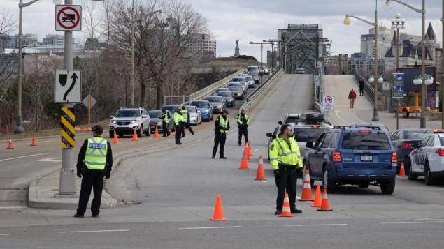 شرطة غاتينو في غرب كيبيك عزّزت تواجدها على الحدود مع مقاطعة أونتاريو/Francis Garland/PC