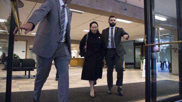 مينغ وانجو، المديرة المالية لشركة هواوي في مبنى المحمكة العليا في بريتيش كولومبيا في 21 يناير كانون الثاني 2020 - Jonathan Hayward / The Canadian Press