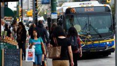 منذ بداية الجائحة، انخفض عدد الركاب بنسبة 80 ٪ في وسائل النقل العام في فانكوفر الكبرى - Peter Scobie / CBC