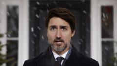 رئيس الحكومة الكنديّة جوستان ترودو بحث مع رؤساء حكومات المقاطعات في تطوّرات أزمة كوفيد-19 في كندا/Sean Kilpatrick/CP