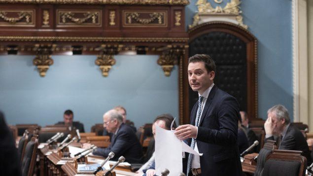 وزير الهجرة الكيبيكي سيمون جولان باريت يتحدّث في الجمعيّة الوطنيّة (البرلمان) في 17-03-2020 /Jacques Boissinot/CP