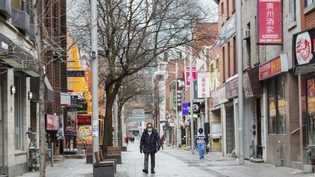 لاحظت مجموعة تراقب خطاب الكراهية على النترنت، زيادة بنسبة 300 ٪ في استخدام الوسوم(هاشتاغ) التي تدعو أو تشجع العنف ضد الصين والصينيين و ذلك خلال أسبوع واحد في شهر مارس آذار - The Canadian Press / Ryan Remiorz