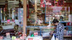 أبناء الجالية الكنديّة الصينيّة في بريتيش كولومبيا يشكون من عنصريّة وتمييز يتعرّضون له بسبب جائحة كوفيد-19//Darryl Dyck/CP