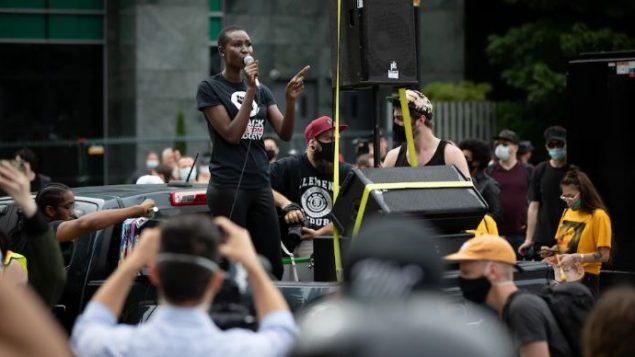 """مظاهرة """"حياة السود مهمة"""" في فانكوفر - Radio Canada / Maggie Macpherson"""