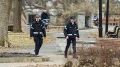 أصدرت شرطة مقاطعة كيبيك 6.000 غرامة متعلقة بتدابير كوفيد 19 من أصل 10.000 في كندا من مطلع أبريل نيسان و 15 يونيو حزيران Radio Canada / Daniel Thomas - 