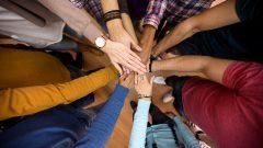 تأتي هذه المبادرة بعد إعلان حكومة كيبيك عن إنشاء مجموعة عمل ضدّ العنصرية المُمارَسة ضدّ الأقليات الظاهرة والسكان الأصليين - iStock / LuckyBusiness