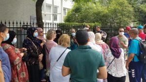 جزائريون عالقون في كندا يتجمّعون أمام قنصلية بلدهم في مونتريال