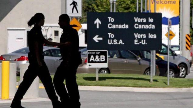 معبر سوري الحدودي في مقاطعة بريتيش كولومبيا في الغرب الكندي/Canadian Press / Darryl Dyck