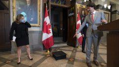 رئيس الحكومة جوستان ترودو ووزيرة المال كريستيا فريلاند في مجلس العموم في أوتاوا في 18-08-2020//Adrian Wyld/CP