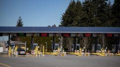 الحدود الكنديّة الأميركيّة مغلقة في وجه السفر غير الضروري منذ آذار مارس بسبب جائحة فيروس كورونا المستجدّ//Darryl Dyck/CP