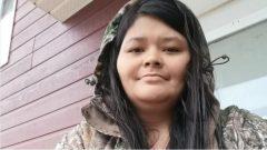 """جويس إيتشاكوان ، امرأة في منتصف الثلاثينيات من عمرها من أمة أمّة الأتيكاميكو (Atikamekw ) في محميّة """"ماناوان"""" (Manawan) في كيبيك  - Photo : Facebook"""