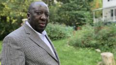 د. جان روبير نغولا طلب من حكومة نيوبرنزويك الاعتذار منه بعد اتهامه بنشر عدوى كوفيد-19 في مسشفى كامبلتون/Judy Trinh/CBC