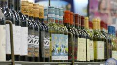يُحظر حاليًا دخول الكحول في 6 مجتمعات من مجتمعات نونافوت البالغ عددها 25 ، بما في ذلك أرفيات وكورال هاربور - CBC / Trevor Brine