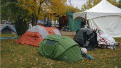 مخيم للمتشردين في حديقة أولد ستراثكونا في ادمونتون - Axel Tardieu / Radio Canada